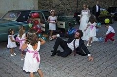 _DSC4692 ...como nios!! (Rodo Lpez) Tags: personas nios nias bodas boda elbierzo nikon naturebynikon nikonistas explore excapture spain sentimientos espaa castillayleon castillayleonesvida carlzeiss