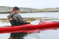 Sociala medier... (Anders Sellin) Tags: sverige sweden vstkusten sea ocean water vatten watersport sport kajak kayaking orust autumn hst 2016 kringn valler friends westcoast utanfr