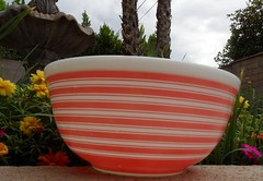 Pink stripes 403 (Maniapyrex) Tags: pinkbowl