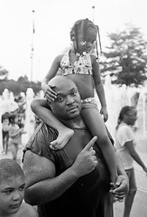 Daddy's girl (Desfolio) Tags: film analog 35mm google nikon kodak 400tx epson fm10 v700 desfolio