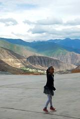 The wild Eastern Tibet of Kham-1637 large (frieda ryckaert) Tags: china tibet tibetan kham sichuan xiangcheng tibetangirl tibetanculture xiangchengmountains xiangchanglandscape