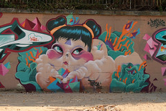 Turkesa mutante (TURKESA (old profile)) Tags: girl wall graffiti kid triangle funny fat crow turkesa kidcrow