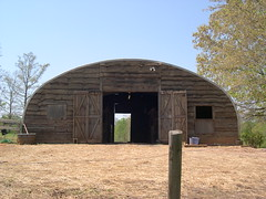custom-front-steel-barn