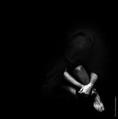 EL NORMAL (NROmil) Tags: white black detalle blanco yoga persona tristeza noir retrato bn normal soledad lanche hombre tolerancia intolerancia nergro