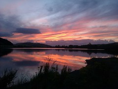 Lindores Sunset. (Kingfisher 24) Tags: sunset red reflections scotland fife loch lindores
