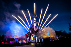 Disney Dreams! The Hunchback of Notre Dame (p!o) Tags: castle lights fireworks disney dlp sleepingbeautycastle disneylandresortparis quasimodo dlrp d90 disneydreams thehunchbackofnotredame