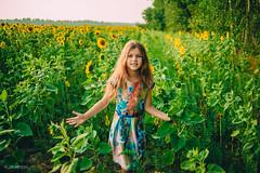 IMG_1217 (DavydchukNikolay) Tags:       kids kidsphoto kidsphotography happy happymoments flower summer photowithkids sunflower