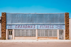 JA_20160616_192708.jpg (sadetutka) Tags: grandmasfitness usa road weights northamerica aerobics tanning roadtrip santarosa theunitedstates storefront gym highway route66 chicago illinois