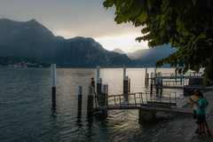 Children playing on the edge of the lake (nicoboul) Tags: bellagio children come como italia italie italy lac lake play playing