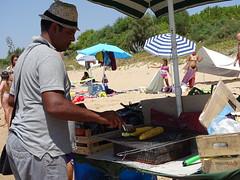 Street food (RoBeRtO!!!) Tags: rdpic man beach grilled corn food vendor uomo spiaggia pannocchie grigliate cibo venditore sonyhx400v