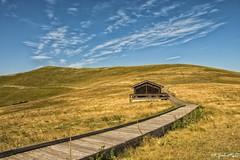 ...forca di Presta, rifugio degli Alpini... (rovampera) Tags: montagna natura cielo nuvole sibillini