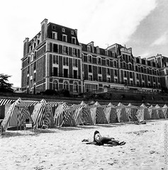 Beach. (renphotographie) Tags: analog filmisnotdead hasselblad fomapan200 120mm dinard bw bnw bretagne plage noiretblanc monochrome 6x6