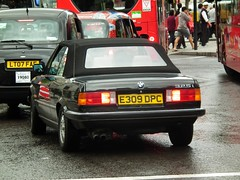 BMW 325i Cabrio (kenjonbro) Tags: uk england black westminster trafalgarsquare convertible bmw 325i cabrio charingcross sw1 kenjonbro fujifilmfinepixhs10 fujihs10 e309dpc