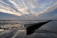The Wadden Sea Sky is opening close to Noordpolderziel on a quiet Evening in July (powerfocusfotografie) Tags: sunset sky colors mood wad henk waddensea nikond90 powerfocusfotografie mygearandme