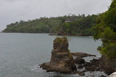 acantilado (Gogolac) Tags: nikon day cloudy playas republicadominicana samana d5100 dominicanbeaches nikond5100 regionestedominicana playadominicanas