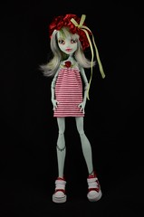 Francoise (Lenekie) Tags: monster high doll dress handmade frankie custom stein repaint highfrankie rollermaze