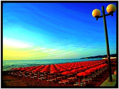 "Sunrise on a quiet beach (NaturaLite's ""SnapDecisions"") Tags: italy beach sunrise nikon italia puglia vieste gargano d700 flickraward photogene colorsinourworld"