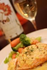 Baked Salmon with Garlic Riesling Wine Sauce (raymondtan85) Tags: california usa fish dinner us wine folsom salmon homecook 50mmf18af d80