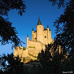 El Alczar de Segovia (Gonzalo y Ana Mara) Tags: segovia castillo gonzalo alczar alczardesegovia canonef1022f3545usm canoneos7d gonzaloyanamara castillodehadas