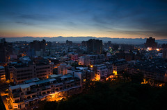 Coming dawn, Tainan, Taiwan (Vincent Sheed) Tags: city longexposure sunrise asia taiwan tainan   citynight  blackcard    d7000 nikon1685f3556