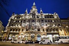 Hotel Boscolo - Budapest (Stauromel) Tags: boscolo hotelboscolo lifeinsurancenuevayork cafeterianuevayork erzsbetkrt alquimiadigital arquitectura stauromel skyline street nocturna budapest hungria canon1dmarkii melilla