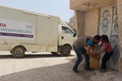 Ramadhan supplies being delivered in Ghouta, Syria (Ummah Welfare Trust) Tags: syria food ramadan ramadhan islam muslims سوريا سورية poverty aid children war refugee displaced hunger humanitarian humanitarianism