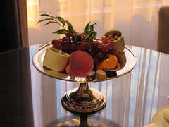 The Peninsula Hotel Chicago (Dan_DC) Tags: chicago fruit grapes truffles hotel