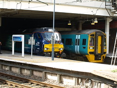 Arriva Trains Wales Class 158 Express Sprinters 158829, 158823 and 158840 wait for departure from Birmingham New Street (Oz_97) Tags: birminghamnewstreet arrivatrainswales 158829 158823 158840 directrailservices 68022