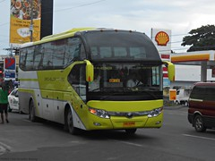 Bachelor Tours 498 (Monkey D. Luffy 2) Tags: bus davao city philbes philippine philippines enthusiasts society road vehicles vehicle public transport transportation nikon coolpix yutong