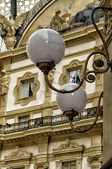 Luz para la galera de la moda (mArregui) Tags: wwwarreguimeluscom marregui miln galera moda pasaje vittorio enmanuel vittorioenmanuelii italia europa glamour iluminacin luz bombilla bombillas