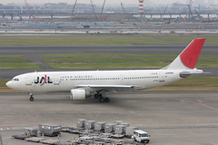 JA8564 Airbus A.300B4-622R JAL Japan Airlines (pslg05896) Tags: hnd rjtt tokyo haneda airbus a300 jal japanairlines ja8564