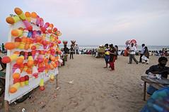 Balloons to shoot at @Elliot's Beach (me suprakash) Tags: nikond90 tokina1116mm beach beachphotography chennai india southindia activities peoplephotography