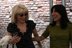 Amanda and Blanca (Vegas Mellor) Tags: portrait people smile torino joy happiness canon5d turin amandalear teatrostabile blancali cavallerizzareale
