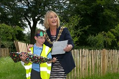 Madam Mayor and local school children (operationfarm) Tags: manchester community unitedkingdom orchard hydepark parkcafe tameside muoo operationfarm creditdavegee fundedbygroundworkukandthebiglotteryfundscommunityspacesprogramme
