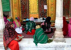 Women Praying (cowyeow) Tags: people india women worship candid delhi indian muslim islam prayer pray praying group hijab mosque gathering sufi sufism prayers rajasthan newdelhi nizam hazrat dargah nizamudin taawwuf hazratnizamuddindargah f dargahnizamudin