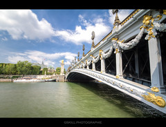 Sunny sunday (Gskill photographie) Tags: bridge sun paris france seine canon gold or sunday sunny pont tamron alexandre dri hdr fleuve 1024 f35 alexandreiii 50d alexandre3 gskill 60d francelandscapes
