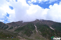 Mountains surrounding Saif-ul-Malook (Arthur Anab Shams (Cheetoo)) Tags: naran saifulmaluk lalazar riverkunhar jalkhad babusarpass lulusarlake babusartop pyalalake gitidaspologround