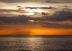 Tramonto a Colori - Ciudad de la Habana Cuba (Luca Querzoli Fotografo alias LQ Photographer) Tags: sunset sea sky sun mer nature sunshine sunrise canon atardecer mar luca tramonto mare photographer alba havana natura amanecer cielo malecon