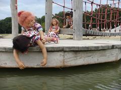 Abenteuer (Kindergartenkinder) Tags: wasser dolls sommer kindra tivi setina annettehimstedt kindergartenkinder himstedtkinder sanrike naturbadolfen