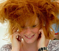 Exploding girl (e) Tags: red portrait girl smile rouge ginger explosion portraiture laugh breda portret ros rood rosso meisje lach pelirrojo kapsel roodharig exploding glimlach sorria expl roodharigendag redheadday