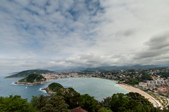 La Concha (Bruce Poole) Tags: 2016 2016basque basque basquecountry brucepoole costavasca donostiasansebastian julliet july paysbasque sansebastian spain julio uztaila clouds nuvola nube cloud nuage nuees nuages wolk  |    cloudscape laconcha bayofbiscay landscape seasa seascape vista sansebastianvista