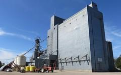 Grain Elevator (Winger, Minnesota) (courthouselover) Tags: minnesota mn grainelevators polkcounty winger