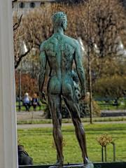Jugendlicher Athlet (Foto-X) Tags: jugendlicherathlet statue mann portrt theseustempel volksgarten wien f12