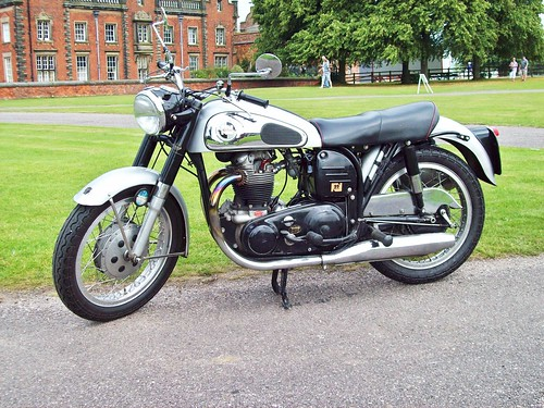 149 Norton Model 99 Dominator  (1959)