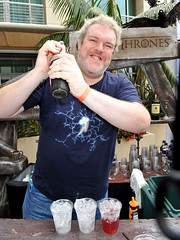 "Hodor, le barman - <a href=""fiche-serie-tv-game-of-thrones"" itemprop=""name"">Game Of Thrones</a>"