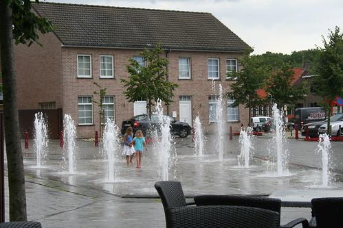 spelen tussen de fonteinen