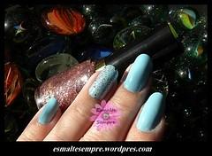 Sparkling Revlon + Aquarium Beauty Color (Helisianne) Tags: azul nail nagellack nails nailpolish mos mo unhas unha nailenamel esmalte smalto bluenailpolish esmalterosa bluenailvarnish esmalteazul bluenailenamel