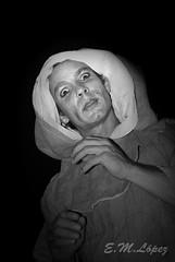 La Peste (E.M.López) Tags: blancoynegro luz teatro blackwhite retrato agosto fortaleza disfraz verano actor jaen mota castillo 2012 personaje comedia virado castillodelamota capucha gesto expresión posado teatrocallejero lapeste fiestamedieval alcalálareal fortalezadelamota