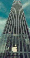 Streets of New York XXXV (Uwe Printz) Tags: new york usa newyork nikon 18200 vrii d7000 nikon18200vrii nikond7000 20120725