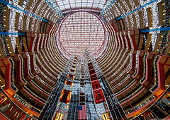 James R. Thompson Center - Chicago (romvi) Tags: usa chicago building architecture america shopping illinois nikon flag unitedstatesofamerica perspective villa romain dri f28 hdr offices hdri batiment drapeau bureaux 14mm jamesrthompsoncenter samyang jrtc d700 romainvilla romvi samyang14mmf28